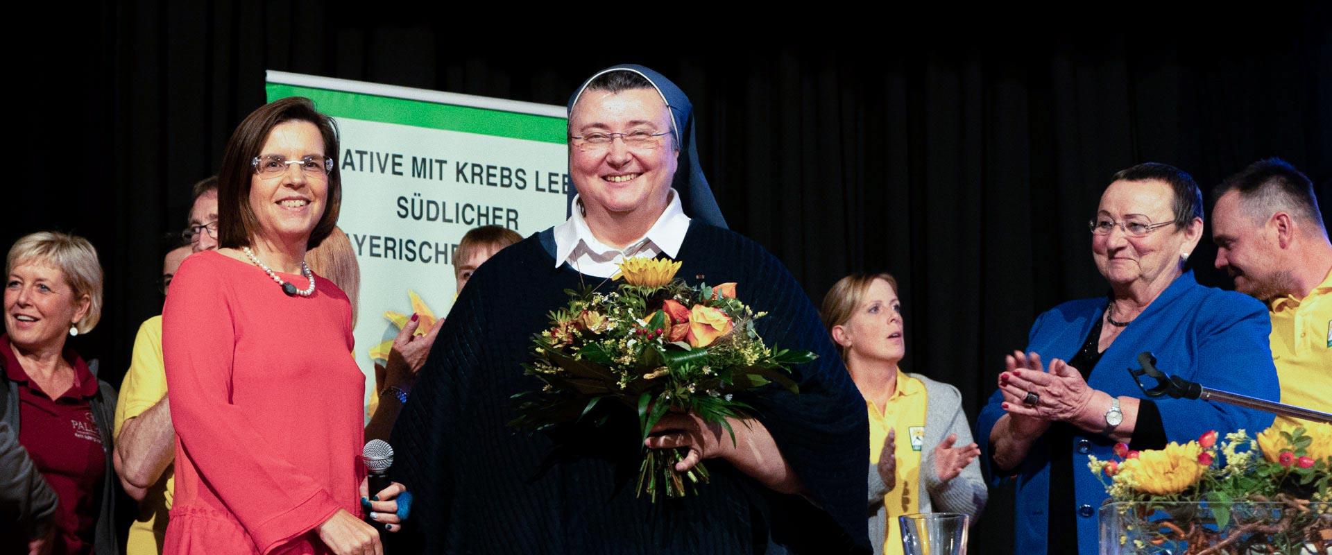 Headerbild zu Beitrag von Schwester Teresas Bär hilft